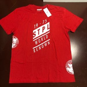 Red white staple pigeon global T-shirt large